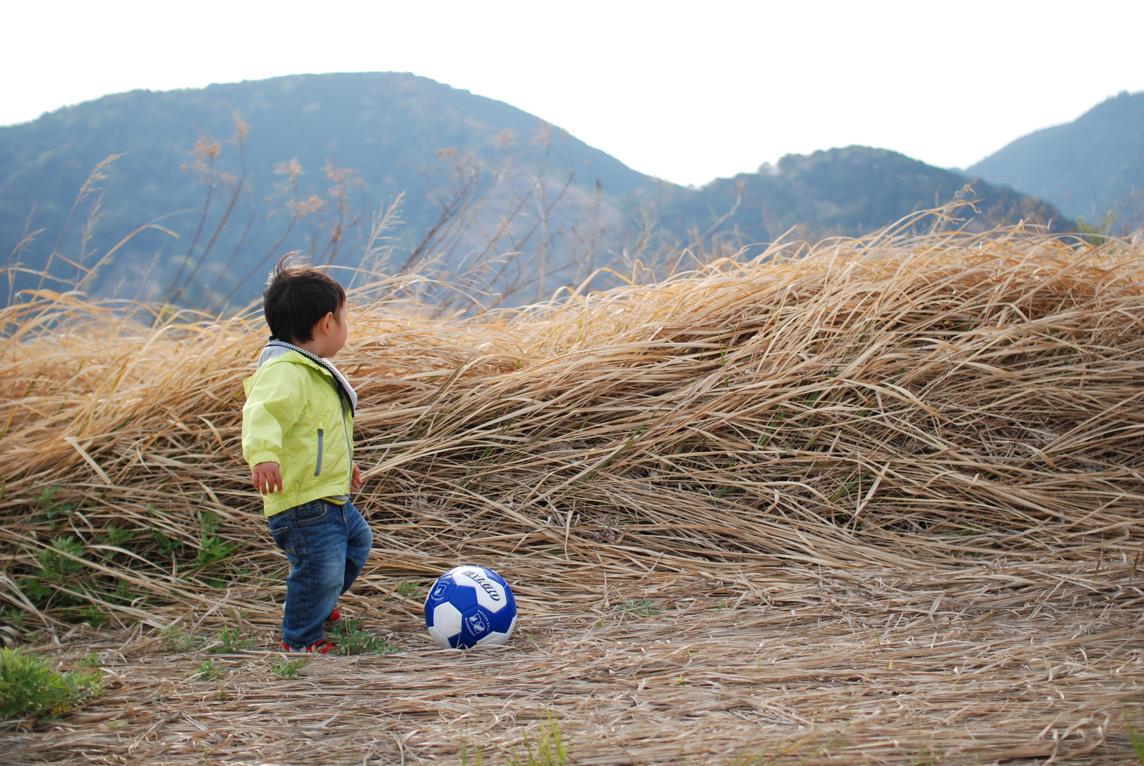 子供の写真を可愛く撮るコツ/余計なものが写らないようにして、シンプルにな写真に